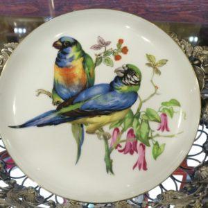 Сувенирная тарелка Попугайчики. Фарфор.