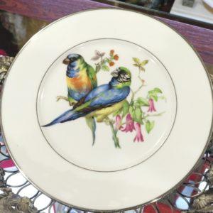 Декоративная тарелка Попугаи