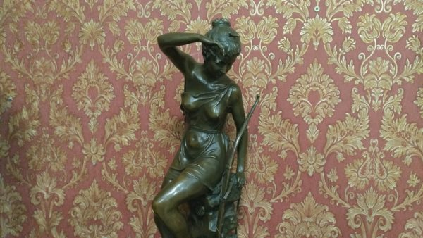 Бронзовая скульптура, купить антиквариат украина, продать антиквариат украина, подарок начальнику,купить бронзовую скульптуру