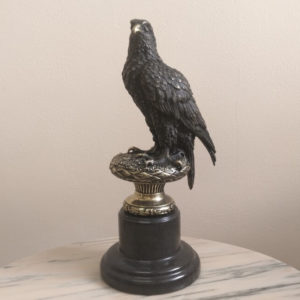 Бронзовая скульптура Орел