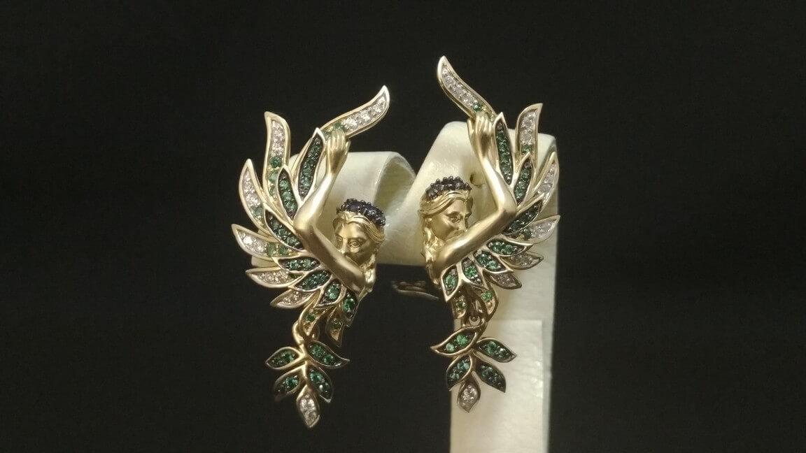 befdf3f25b93 Уникальные золотые серьги и кольцо