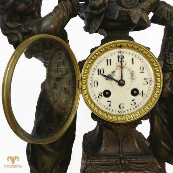 амур и грации, эмалевый циферблат,часовой механизм, антикварные каминные часы, купить антиквариат в украине, французские старинные часы, скульптуры шпиатр, часы со скульптурами,