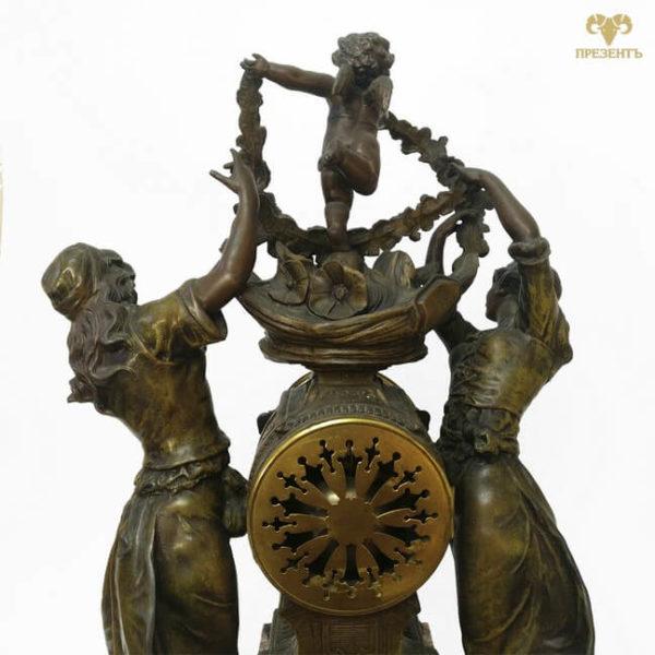 настольные часы,антикварные каминные часы, купить антиквариат в украине, французские старинные часы, скульптуры шпиатр, часы со скульптурами, амур и грации, эмалевый циферблат, часы с боем