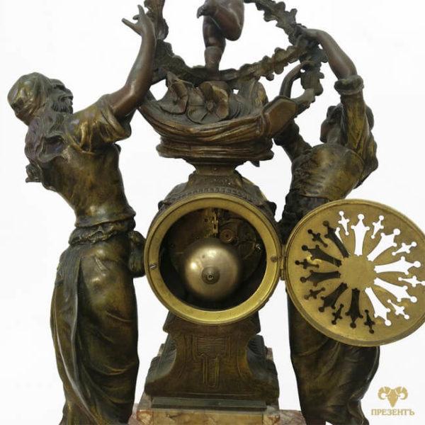 интерьерные часы, часы в большой дом, часовой механизм, антикварные каминные часы, купить антиквариат в украине, французские старинные часы, скульптуры шпиатр, часы со скульптурами, почасовой бой
