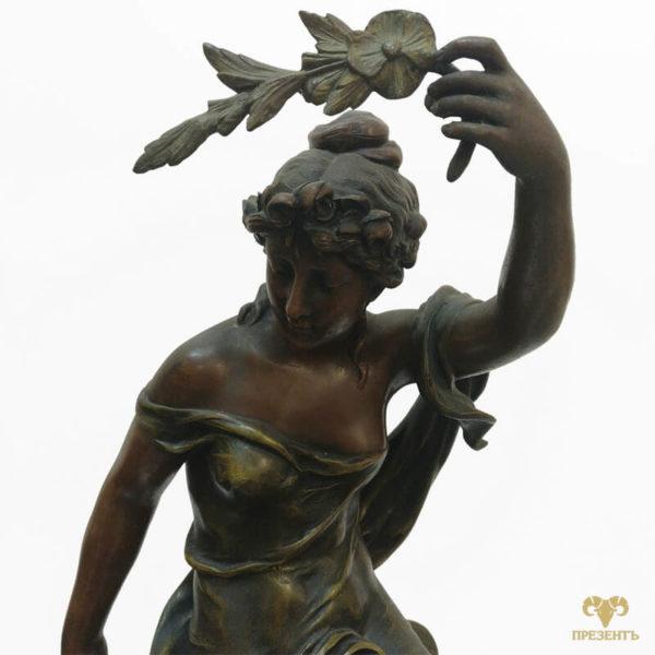 шпиатр, богиня аврора, каминные часы эмалевый циферблат, купить элитный подарок в украине, чем удивить ценителя искусства, подарок коллекционеру часов, шикарный подарок бизнесмену, девушка с веточкой в руке, римская мифология
