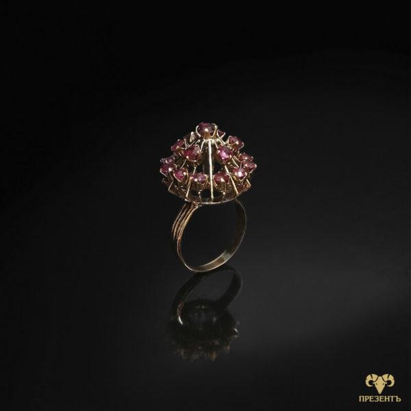 экстравагантное золотое кольцо, антикварное украшение, купить уникальное украшение, кольцо с необычным дизайном, кольцо усыпанное камнями