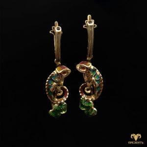 Эксклюзивные золотые серьги с эмалью и гранатами Игуана
