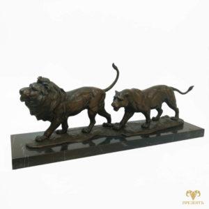 Бронзовая скульптура Пара львов