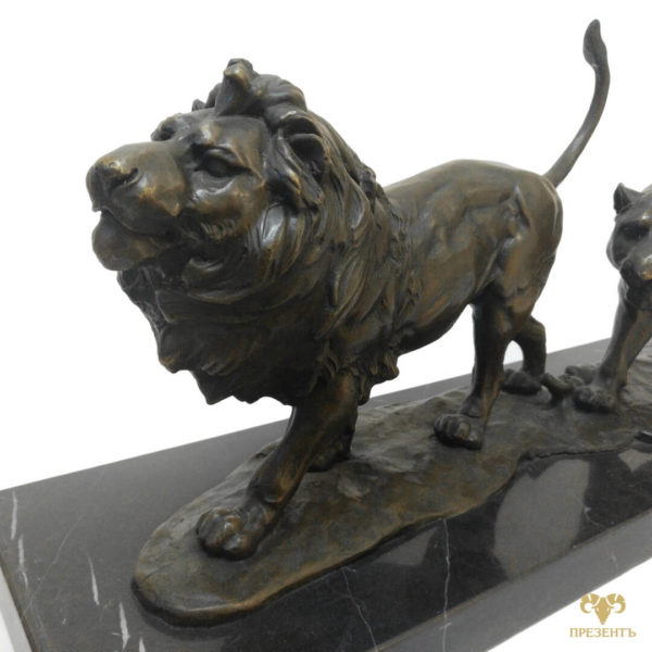 скульптура льва, статуэтка льва, бронзовый лев, статуэтка льва на мраморной подставке