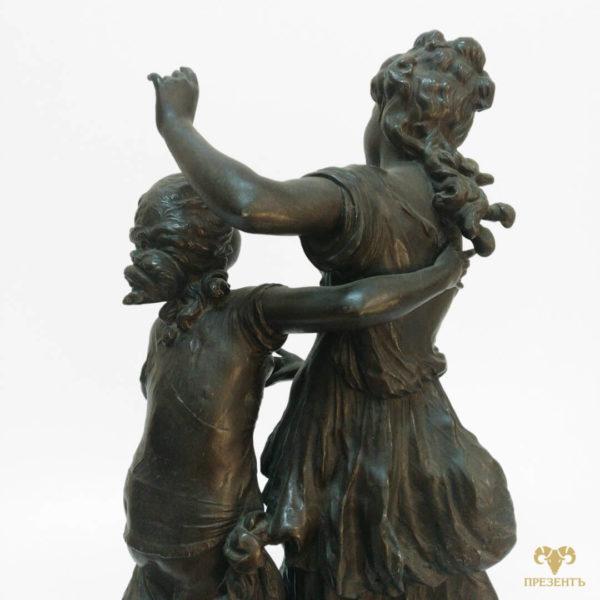 Бронзовая скульптура две сестры, статуэтка две девушки, купить памятный подарок сестре, купить бронзовую скульптуру Украина,