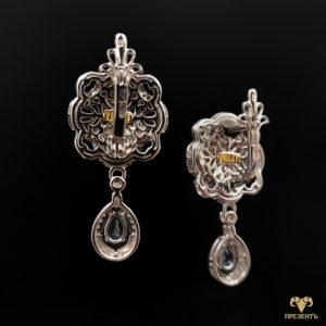 Золотые серьги с эмалью и кубическим цирконием