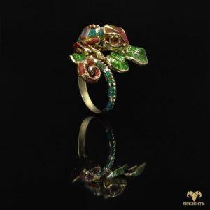 Неординарное золотое кольцо Игуана