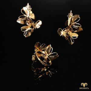 Золотые серьги и кольцо с эмалью Порхающие бабочки