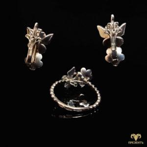 Золотое кольцо и серьги с эмалью