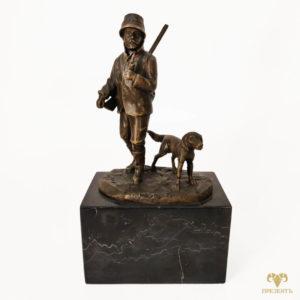 Бронзовая скульптура Охотник и собака