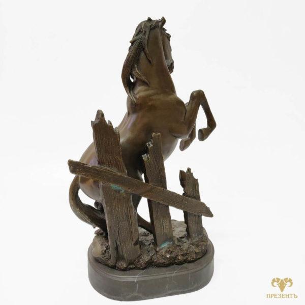 бронзовый конь, бронзовый конь на дыбах, бронзовый жеребец
