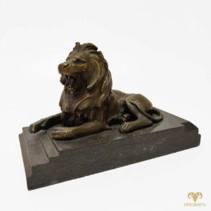 Бронзовая скульптура Лев