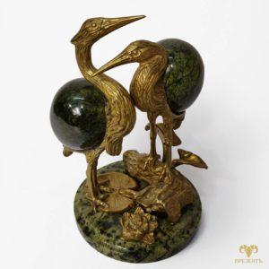 Бронзовая скульптура со змеевиком Пара цапель