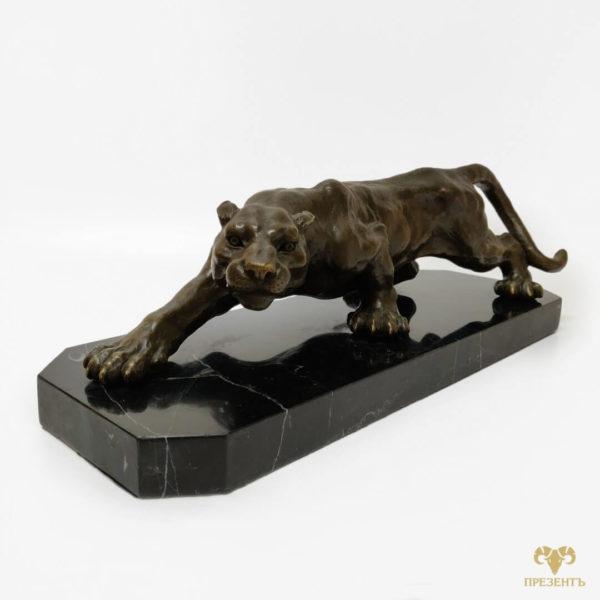 крадущаяся пантера бронзовая статуэтка, пантера на мраморе, пантера на мраморной подставке