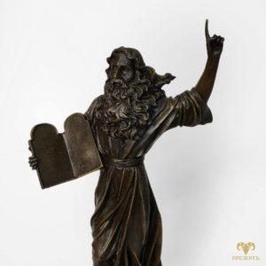 Бронзовая скульптура Моисей