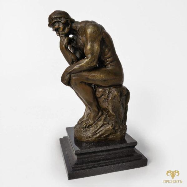 человек сидит на камне, скульптура мыслителя, статуэтка мыслителя, скульптура роден, уникальная статуэтка бронза, подарок в рабочий кабинет, украшение для рабочего кабинета