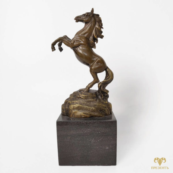 бронзовая скульптура коня, бронзовая лошадка, сттауэтка лошадка, скульптура лошади купить, скульптура лошадки купить, скульптура лошадь на дыбах, статуэтка лошадь в движении