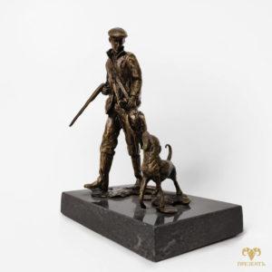 Бронзовая статуэтка Удачная охота