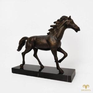 Скульптура Бегущая лошадь