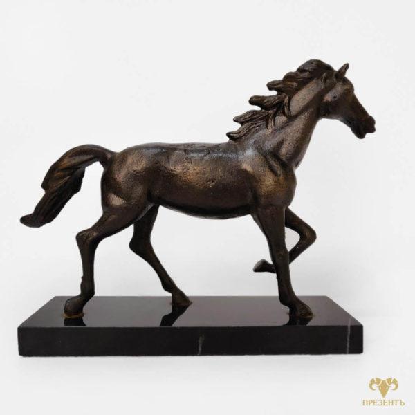 подарок лошадь значение, статуэтка бегущая лошадь, талисман лошадь, подарок фанату лошадей, подарок коневоду