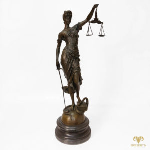Бронзовая фигура Фемида (Юстиция) богиня правосудия